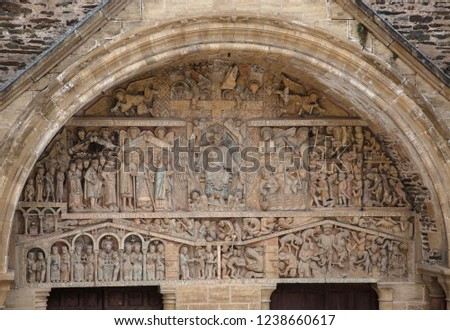 Polychromatic Timpano from Abadia de Conques. France Photo stock ©