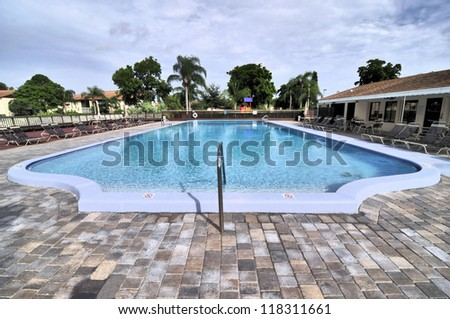 Pool in south Florida / Olympic Stretch
