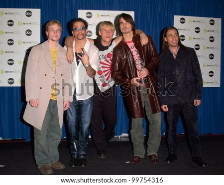 Pop group BACKSTREET BOYS at the Radio Music Awards at the Aladdin Hotel & Casino, Las Vegas. They won for Radio Slow Dance of the Year for Show Me The Meaning. 04NOV2000.   Paul Smith / Featureflash
