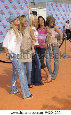 Pop group NO SECRETS at Nickelodeon\'s 15th Annual Kids Choice Awards in Santa Monica.  20APR2002.  Paul Smith / Featureflash