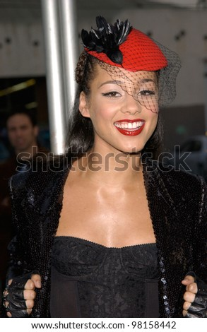 Pop star ALICIA KEYES at the American Music Awards in Los Angeles. 09JAN2002.   Paul Smith/Featureflash