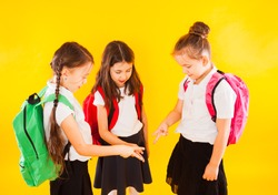 Popular and simple games for schoolchildren during the break