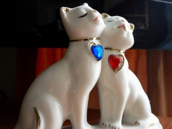 porcelain figurine two cats in love with hearts