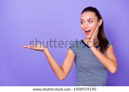 Porrait astonished funny funky lady touch cheeks hands palms unexpected recommend choice decision advice adverts information feedback pick modern youth clothing ponytail isolated purple background