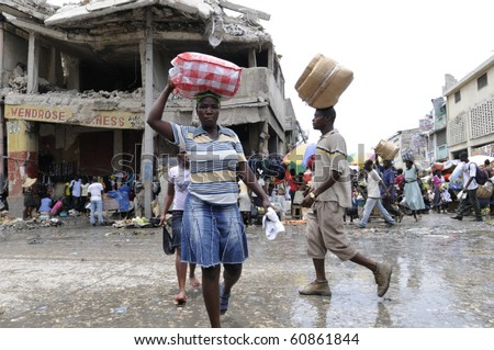 PORT-AU-PRINCE - AUGUST 21: Busy streets of the Iron Market on August 21, 2010 in Port-Au-Prince, Haiti .