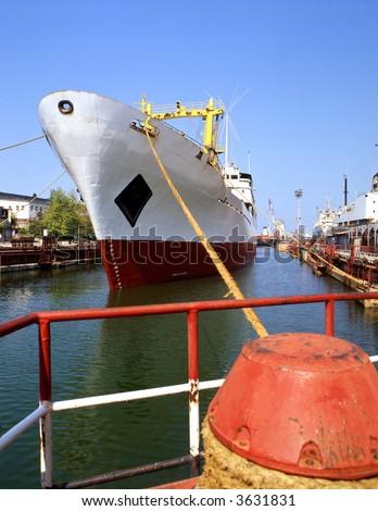 Port sector handling merchant ships. Repair of ships