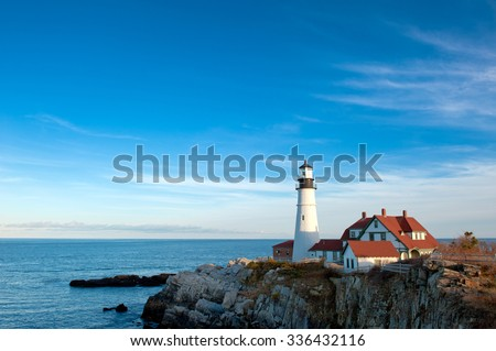 Portland Head Lighthouse on a clear, sunny fall day. #336432116