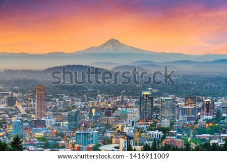 Portland, Oregon, USA downtown skyline with Mt. Hood at dawn. Photo stock ©