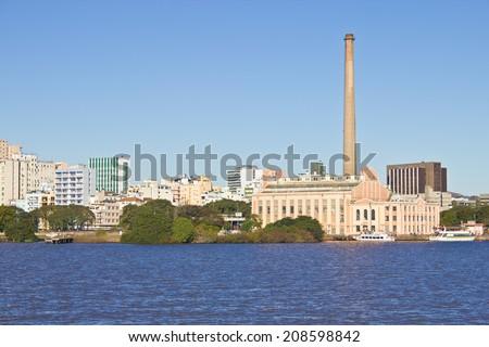 Porto Alegre city view - Gasometro Gas Plant and Guaiba river, Rio Grande do Sul, Brazil. Foto stock ©