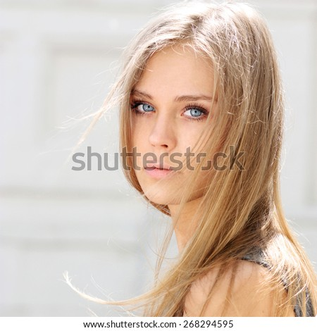 Amazing Russian Blonde With Beautiful Eyes