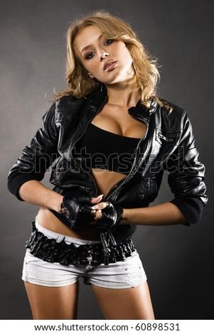 сексуальное фото девушек в кожаных куртках