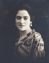 portrait of a beautiful women from 1927