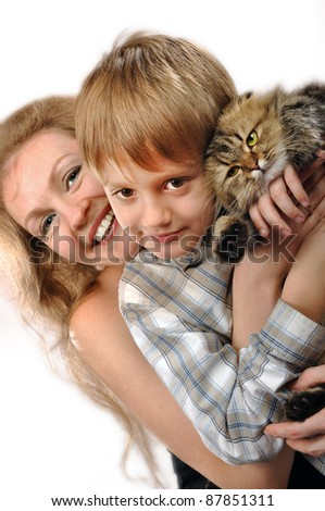 portrait of a happy familyr with a cat