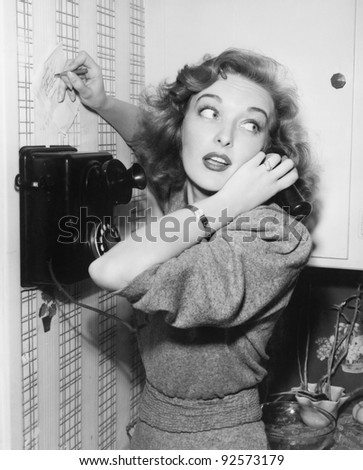 Portrait of a woman talking on the telephone