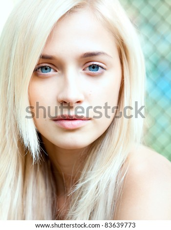 blonde blå øyne hot skinn sex støvler
