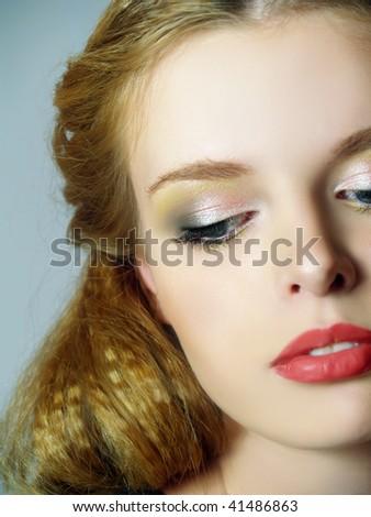 Красив грим Stock-photo-portrait-of-fashion-girl-with-brightly-make-up-41486863