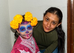 portrait of girl and her mother with makeup of Katrina