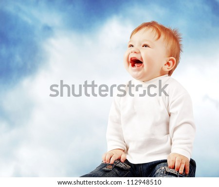 Portrait of happy smiling baby