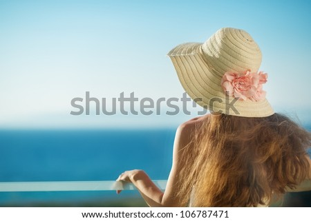 Portrait of smiling woman on vacation