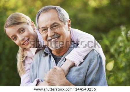 Порно фото старики с молоденькими сношаются 36909 фотография