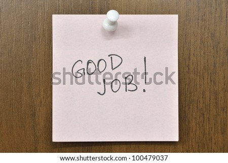 post it note with Good Job! phrase