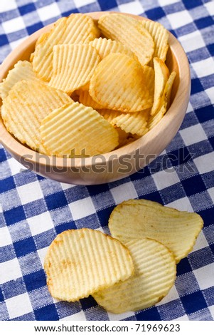 potato chips on kitchen table