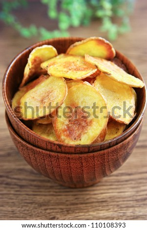 Potatoes chips in a bowl