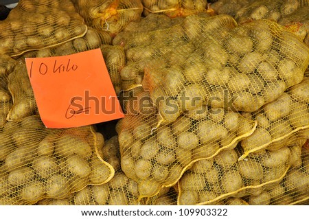 Potatoes for Sale - Raw Potatoes in a net bag for sale