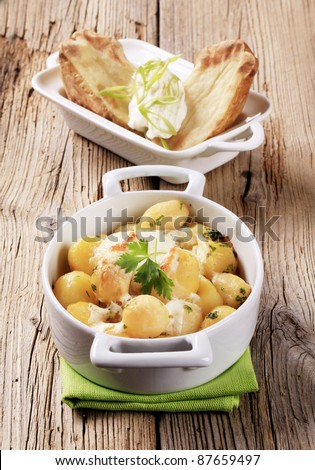 Potatoes with sour cream and cream cheese