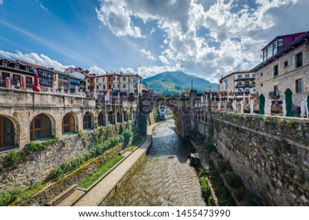 Potes is one of the most interesting tourist spots of theComarcaofLiebananear Santander, Cantabria province, Spain. Foto stock ©