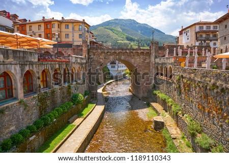 Potes river Quiviesa Deva a Cantabria village of Spain Foto stock ©