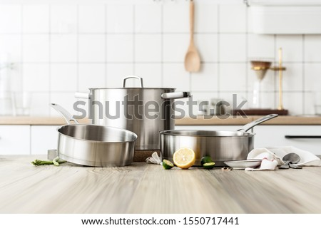 Pots Cookware Wok pot cooking utensils Stockfoto ©