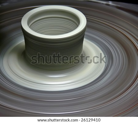 Potter's wheel with a new pot rotating