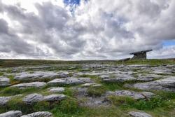 Poulnabrone Dolmen, Burren Ireland