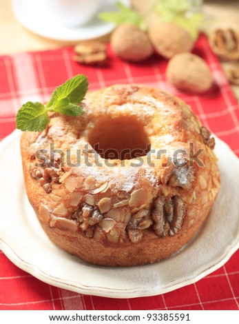 Pound cake with nuts
