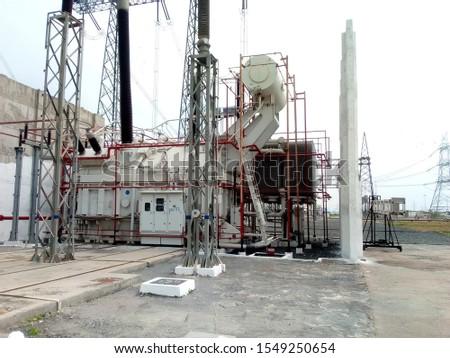 power transformer in power grid #1549250654