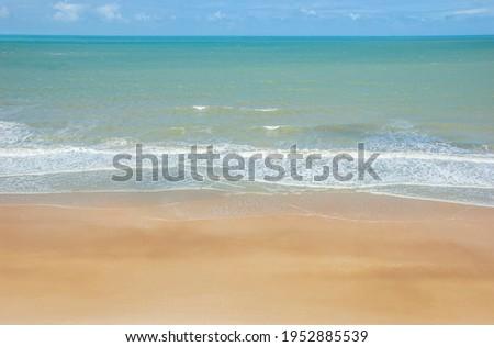 praia com mar cristalino em praia do Rio Grande do Norte  Zdjęcia stock ©