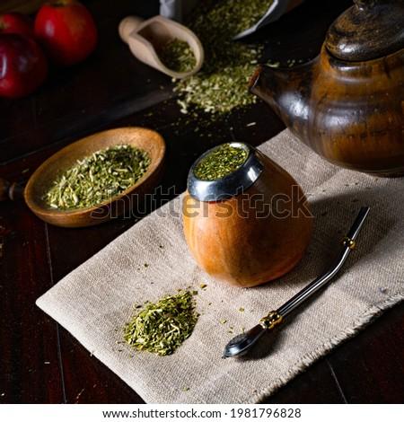 Prepare yerba mate with calabash and bombilla Foto stock ©
