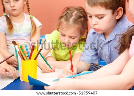Preschool kids drawing