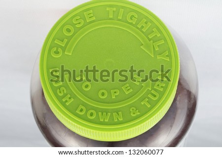Prescription Pill Bottle Top, Green