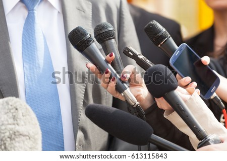Press interview. News conference.