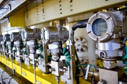 Pressure transmitter to monitor downstream pressure,