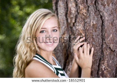 pretty blond cheerleader, senior picture