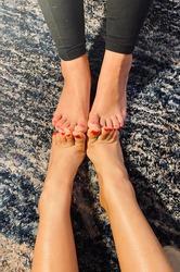 Pretty girl foot feet fetish