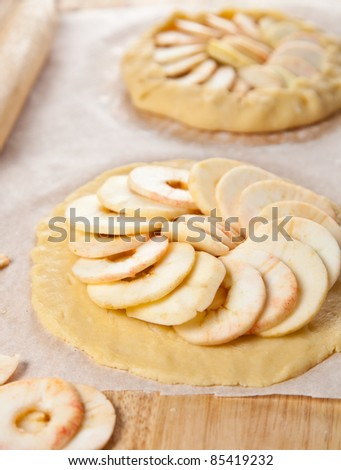 Process of making apple pie