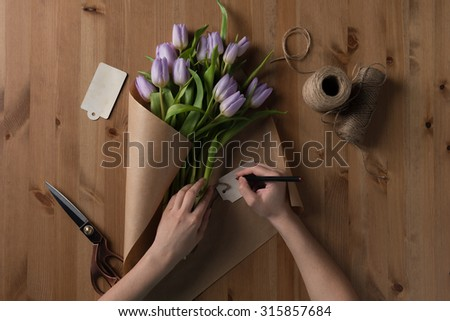 Process of making Tulip Bouquet. Photo from above the table