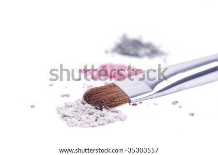 Professional brush for make-up on broken shadows
