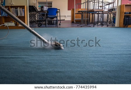 Professional Steam Carpet Cleaning using a Wand