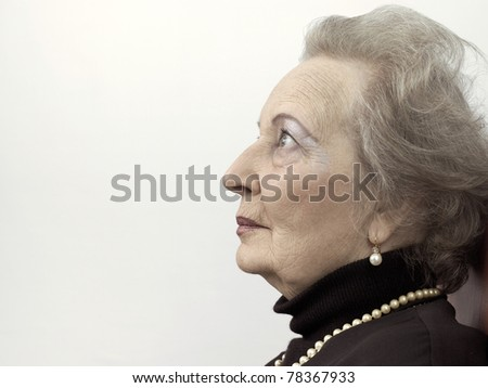 stock photo : Profile of a senior adult woman - IS303-029