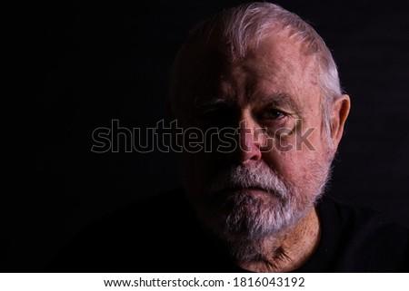 Profile Of Senior Man With Scraggly Beard Stock foto ©